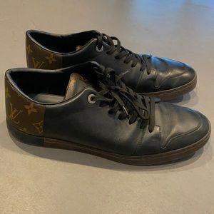 Men's Louis Vuitton sneakers size 9 (10 US) DAMAGE